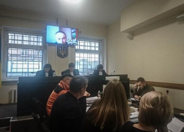 У справі екс-судді та екс-прокурора з Сєвєродонецька, звинувачених в отриманні хабаря, суд продовжив дослідження письмових доказів