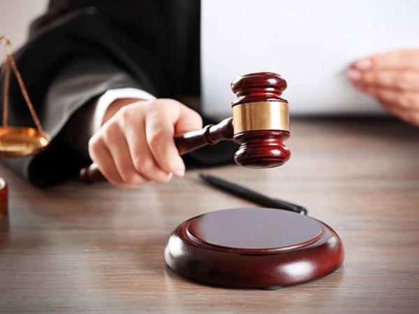 Кого і з яких підстав суди звільняли від відповідальності та закривали провадження у справах НАБУ-САП?