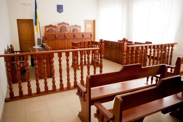 Чому влада затягує час та побоюється створення антикорупційного суду?